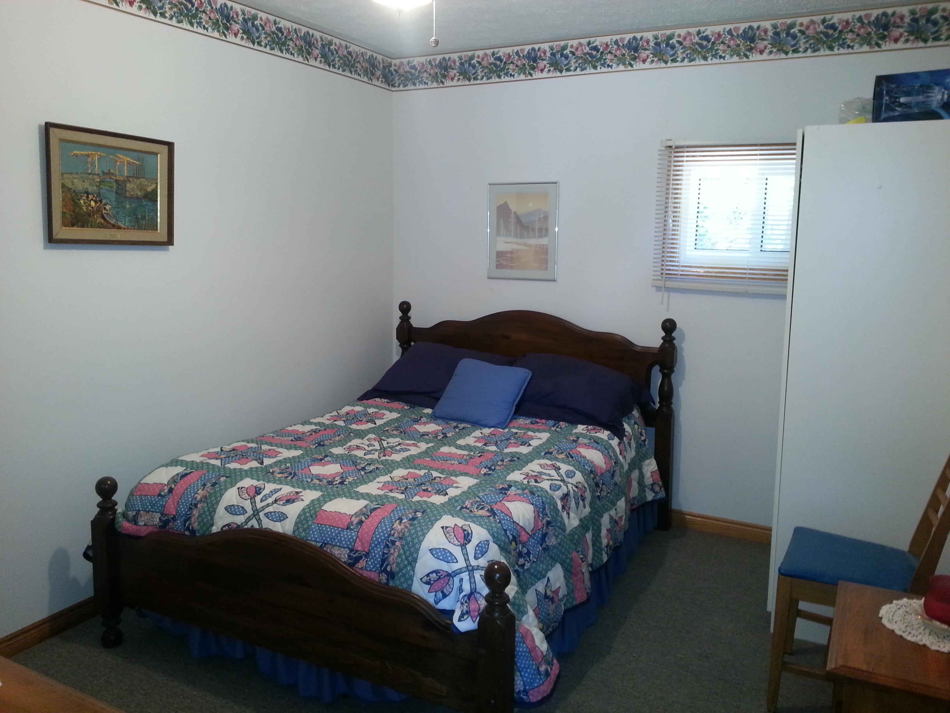 Blue flower bedroom