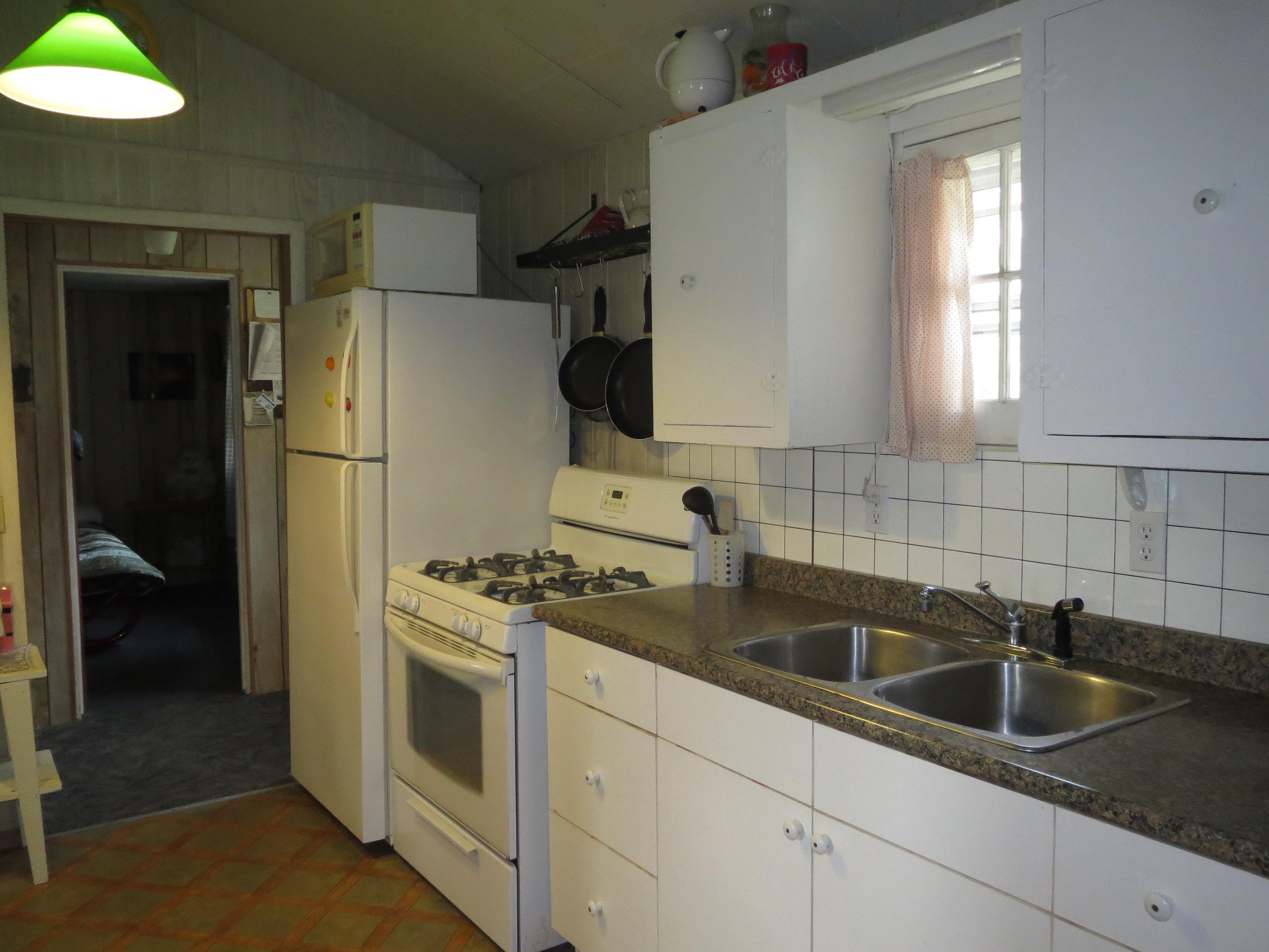 18 Kitchen 6
