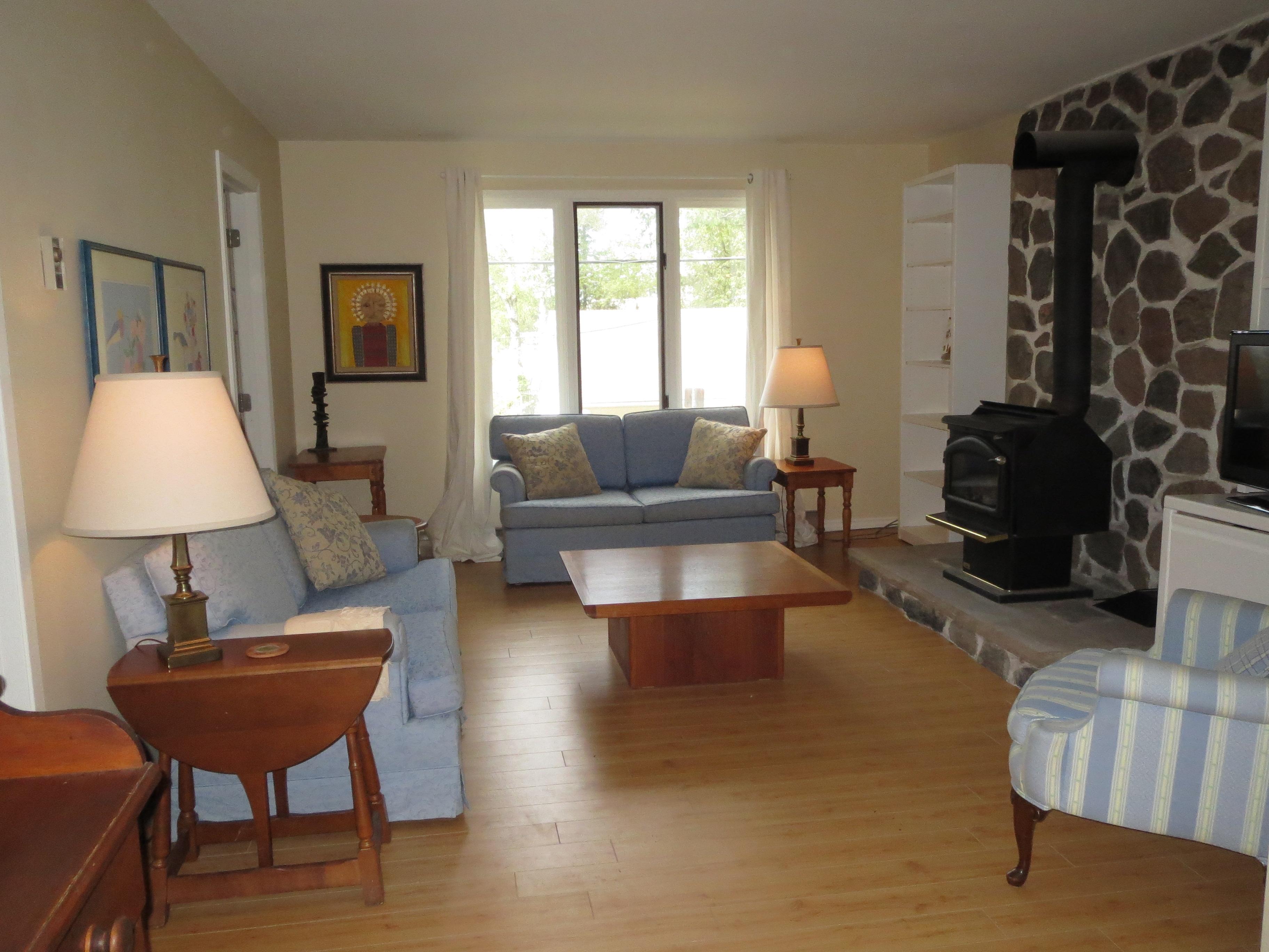 14 Living Room 1