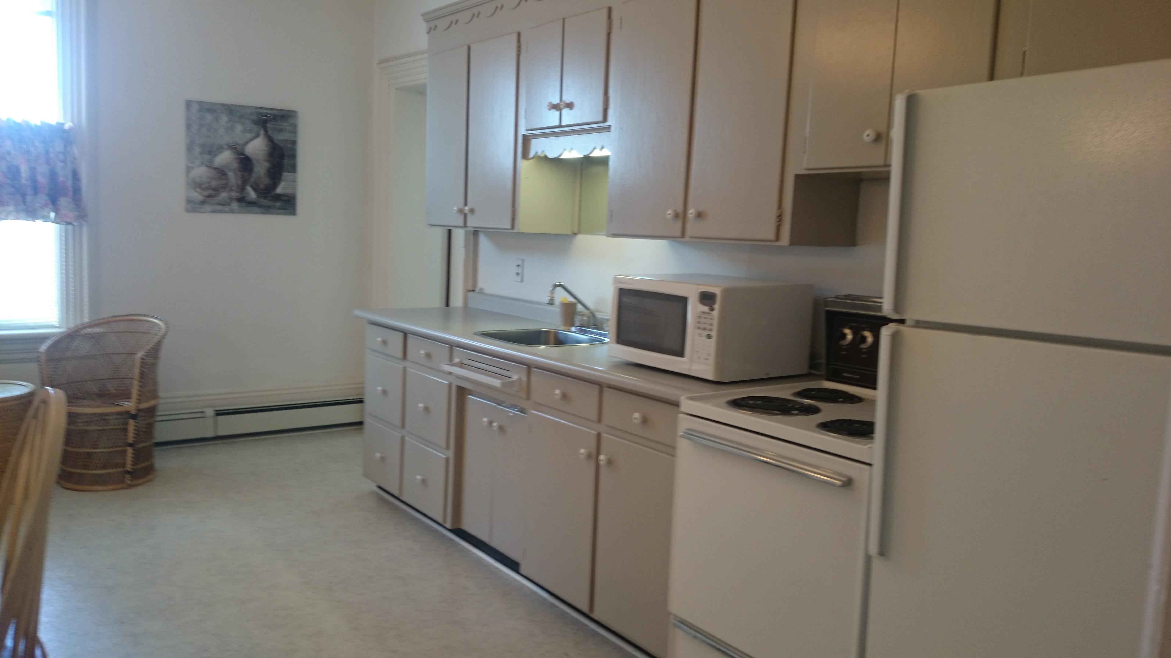 16 Kitchen 1