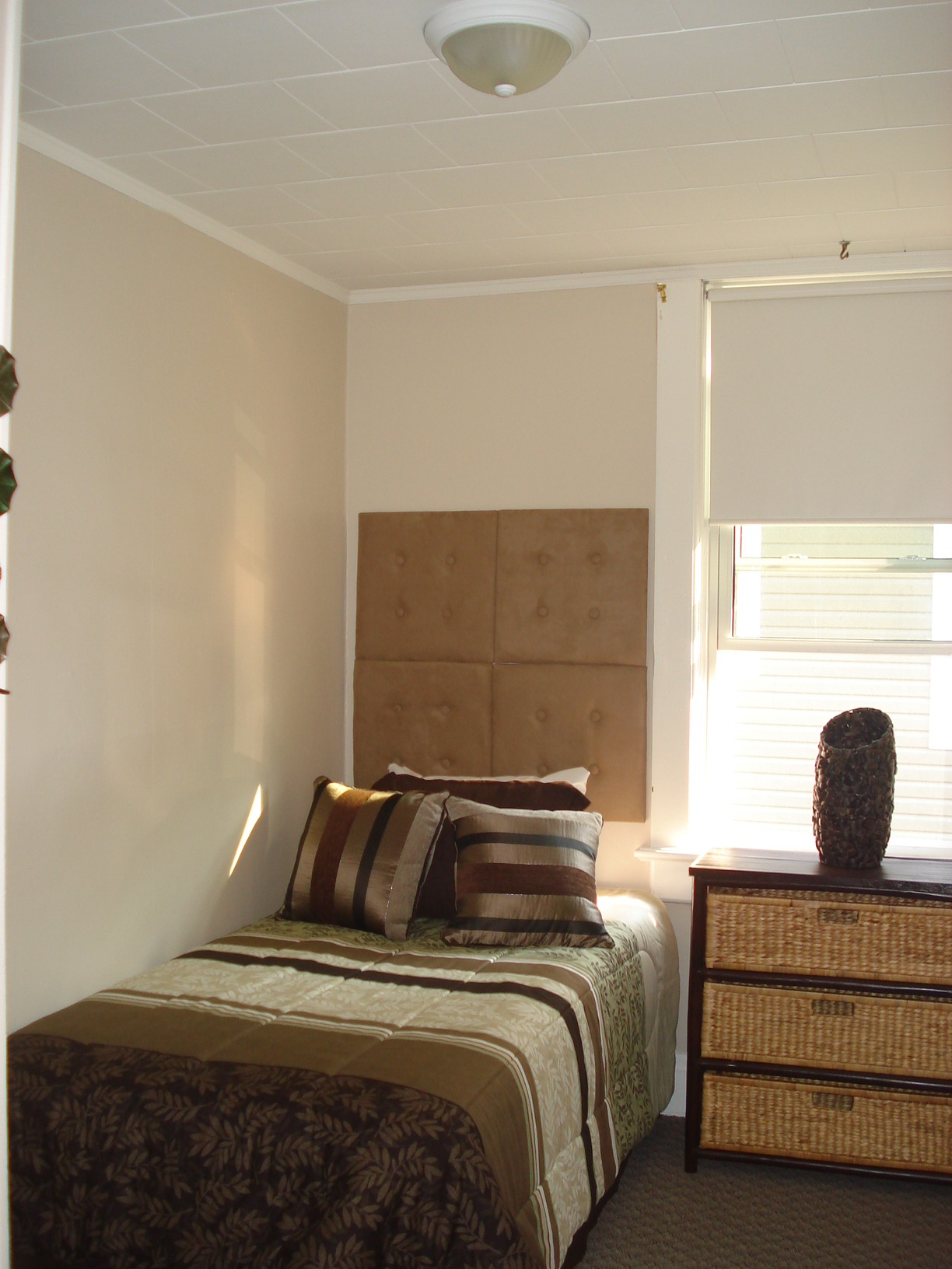 23 Brown Bedroom 1